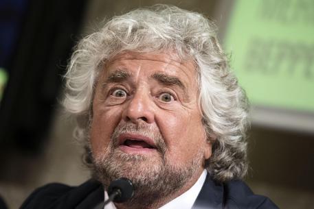 Iraq: Grillo, Italia non può fare la guerra, Mattarella che dice?