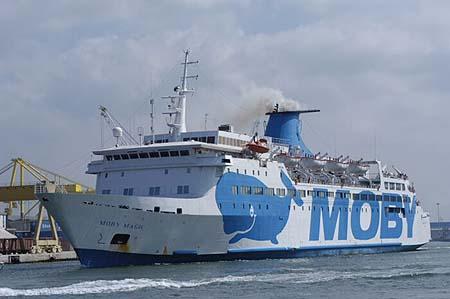 un traghetto della Moby