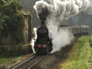 Marradi, alla sagra delle castagne sul treno a vapore