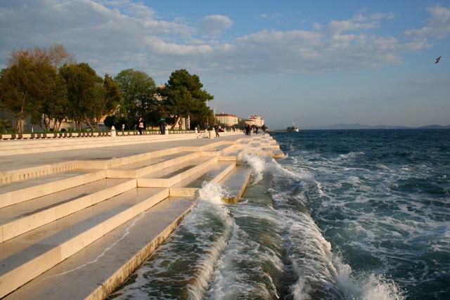"""""""Organo marino"""" crea melodie con le onde del mare cambiando il ritmo"""
