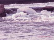 corso d'acqua spumeggiante