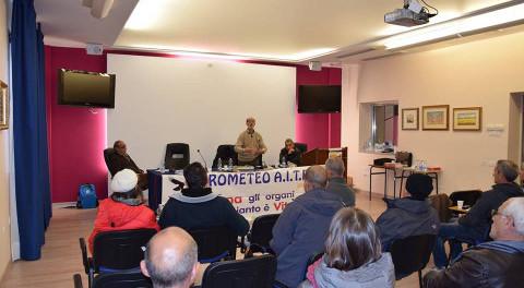 un'assemblea dei soci della Prometeo AITF Onlus