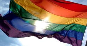 bandiera della pace mossa dal vento