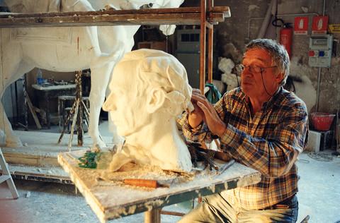 Mostra dedicata allo scultore Floriano Bodini a Lucca