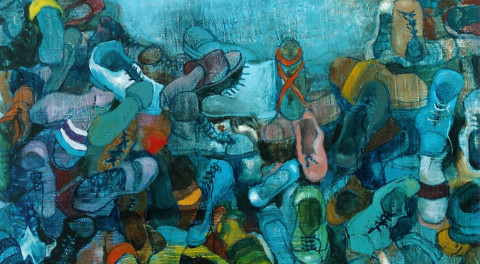 quadro di Eva Fisher sulla Shoah raffigurante tante scarpe