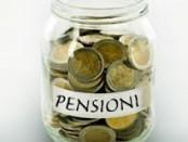 salvadanaio con la scritta pensioni