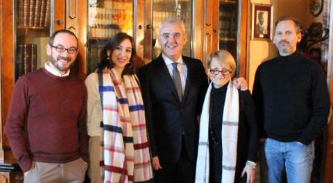 foto di gruppo per il Dottorato allo Sferisterio di Macerata