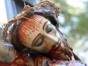 Processione del Venerdì santo ad Alimena con Cristo crocefisso