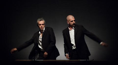 Roberto Castello e Andrea Cosentino in Trattato di Economia