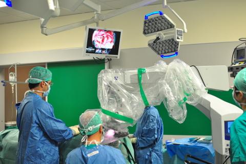 Il Meyer si collega con il mondo: videochirurgia della sordità in diretta