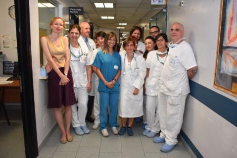 Line Danielsen con personale ospedale Gradenigo di Torino