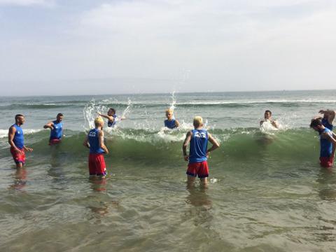 allenamento in mare del catania calcio a 5