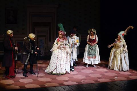 """Firenze: """"Le smanie per la villeggiatura"""" al Teatro di Rifredi"""
