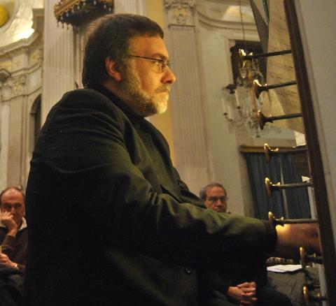 A L'Aquila lezione concerto di Andrea Coen dedicata alla famiglia Bach
