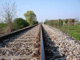 """L'angolo della poesia: """"Oltre la ferrovia"""" di Simona Ristori"""