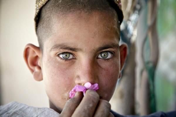 """Chi sono i """"Bacha Bazi"""" bambini per gioco dell' Afghanistan"""