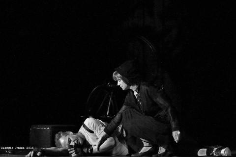 """A Cagliari in scena """"Vite in Volata"""" di Abaco Teatro"""