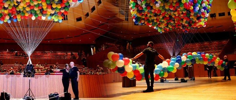 Ventimila palloncini per la felicità