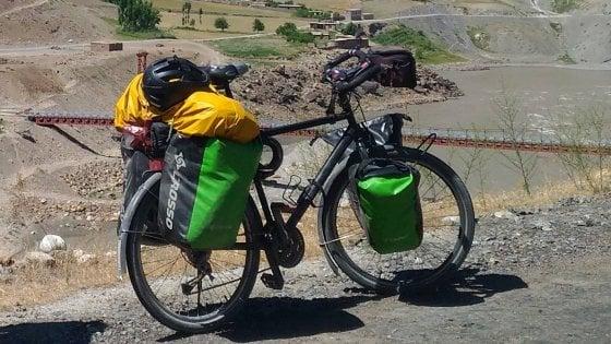 Gli rubano la bici in Italia, lo comunica su Facebook e si scatena il finimondo