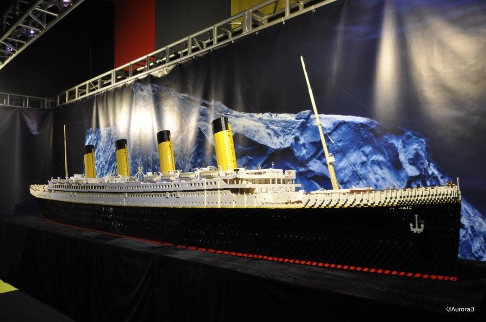 Multa salata ai genitori dei ragazzi che hanno distrutto il Titanic in Lego esposto alla mostra Brickmania