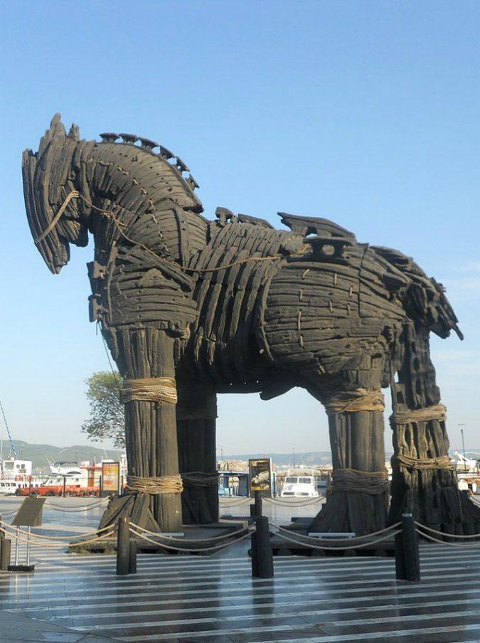 """Errore di traduzione nella Storia: il cavallo di Troia era una nave che si chiamava """"Hippos"""""""