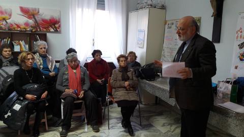 Ernesto Bodini con anziani
