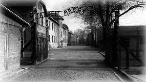 Ad Auschwitz oggi e ieri