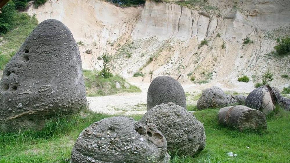 In Romania scoperte le pietre viventi