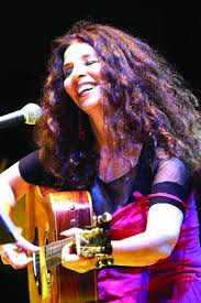 """""""Parole al vento"""": i racconti in musica di Teresa De Sio,  tra folk e rock, venerdì 9 marzo a Villasanta (Mb)"""