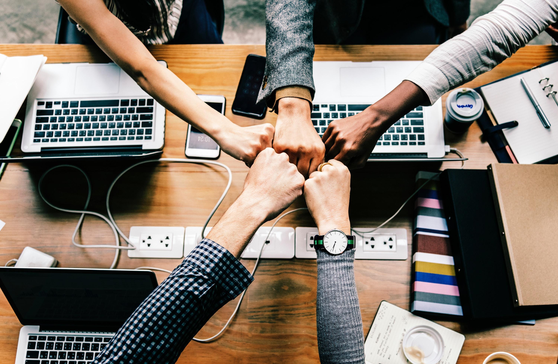 Spirito di squadra: ecco come motivare i tuoi dipendenti tra gadget e attività