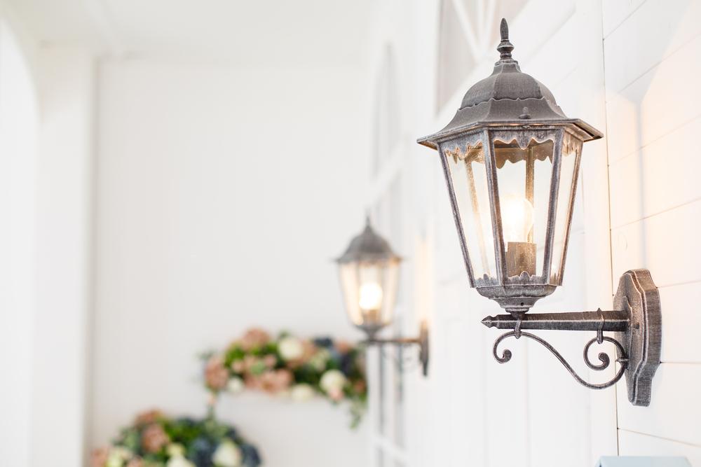 Lampade da esterno per il giardino: guida a una scenografia perfetta