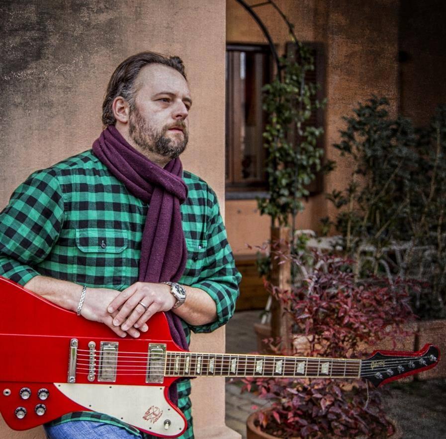 Folk-rock, ballads e atmosfere blues:  Cesare Carugi in concerto venerdì 11 gennaio  allo Spazio Teatro 89 di Milano