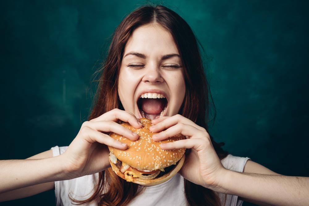 Mangiatori compulsivi: consigli per tornare in forma