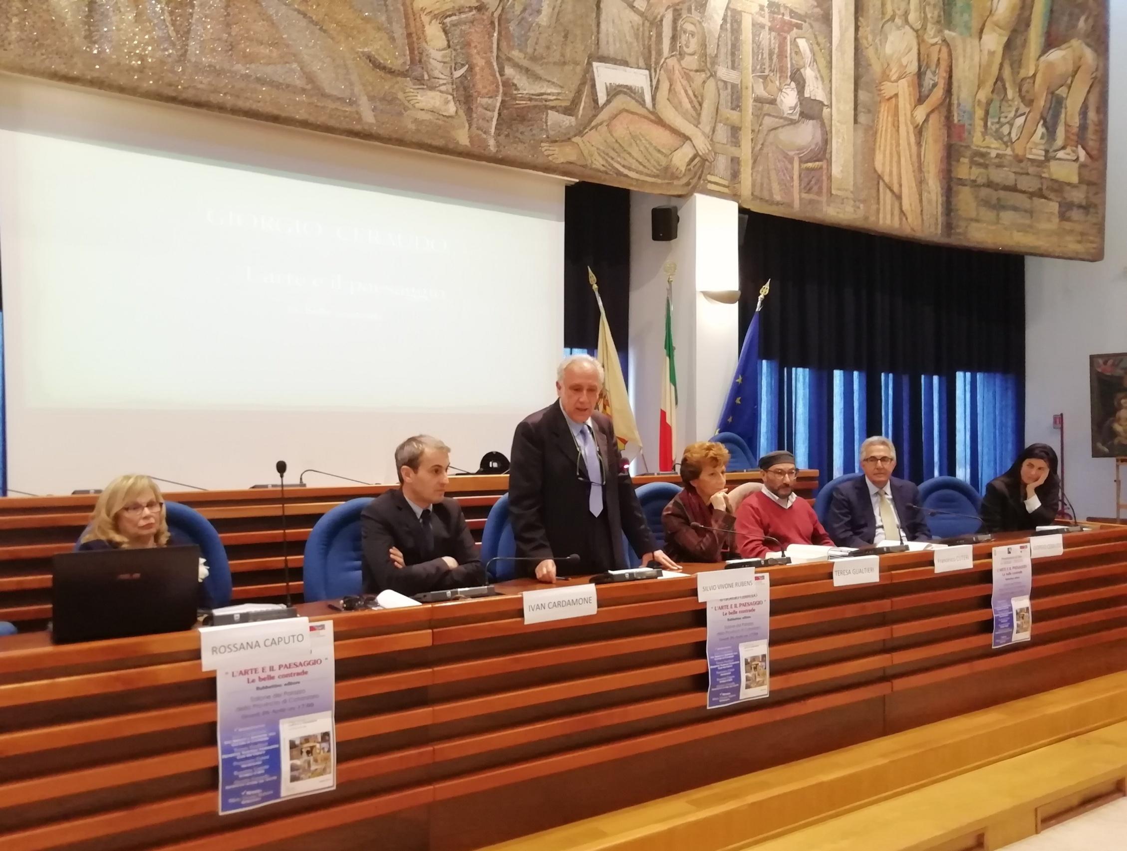 """Catanzaro, palazzo della Provincia: """"L'ARTE E IL PAESAGGIO- Le belle contrade"""" Sala consiliare """"Aldo Ferrara"""""""