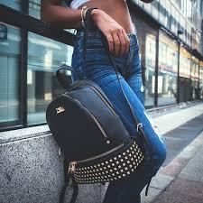 Moda donna: 10 motivi per optare per un uno zaino