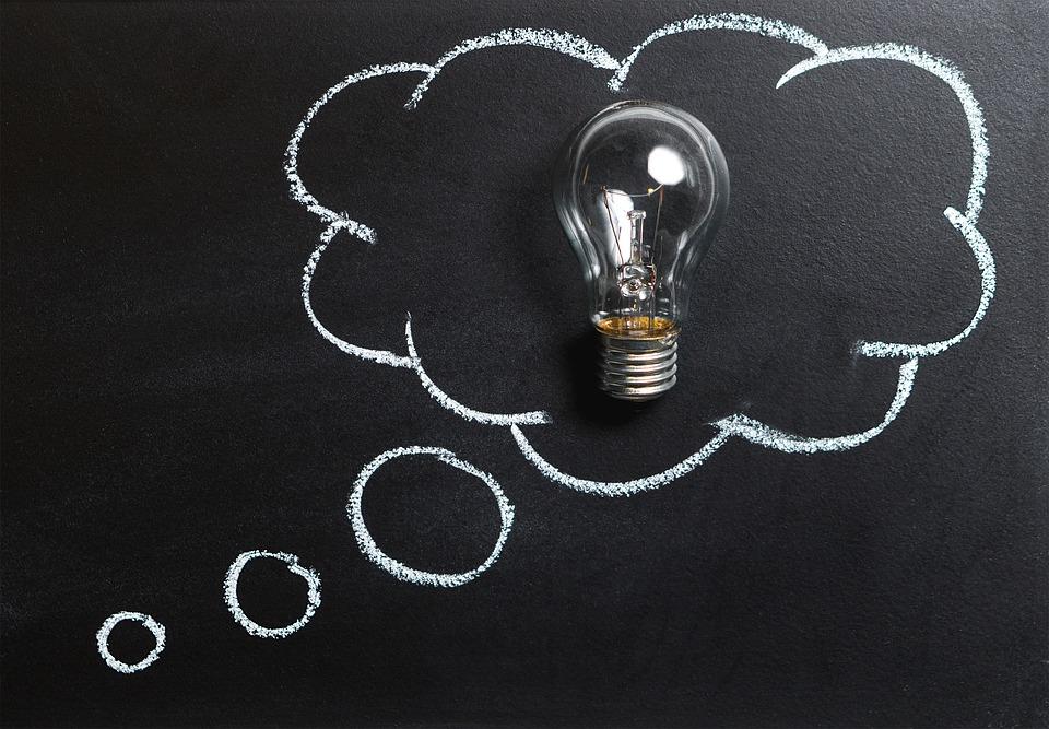 5 consigli per risparmiare su luce, gas e telefono