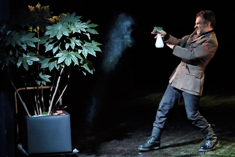 Firenze:22 e 23 novembre ore 21 Pupi e Fresedde-Teatro di Rifredi – Uthopia IL GENERALE