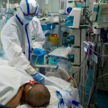L'opera degli specialisti del sonno artificiale della rianimazione